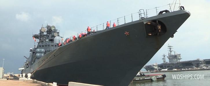 Боевой корабль России в порту США
